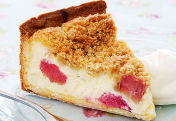 how to cut rhubarb for crumble